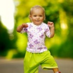 6 Tips On Choosing Clothes For A Baby