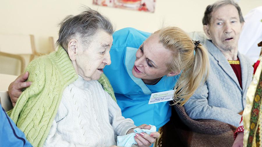 Предупреждение жестокого обращения с пожилыми людьми в учреждениях здравоохранения